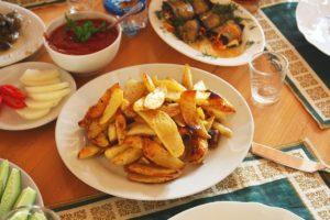 Жареная в печи картошечка в Эко-деревне